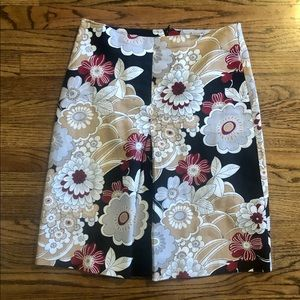 Gorgeous floral print pencil skirt size 8